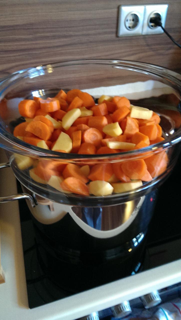 Biogemüse, frisch kochen, Brei selber machen, Gemüse dünsten
