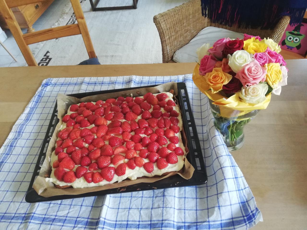 Geburtstag alleinerziehend, Erdbeer-Kuchen